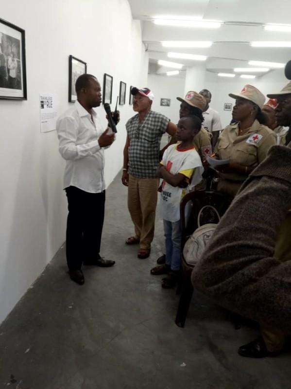Visite guidée des volontaires de la Croix-Rouge ville province de Kinshasa à la Musée d'art contemporain