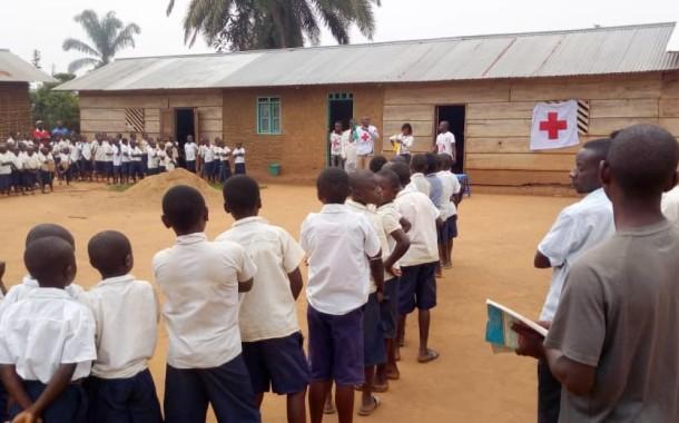 Sensibilisation de masse contre la maladie à virus EBOLA à l'Ecole Primaire de BAROMBI